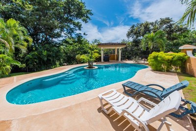 16 - Calm and beautiful community pool - Ocean-vicinity Luxury Condo For Sale.jpg