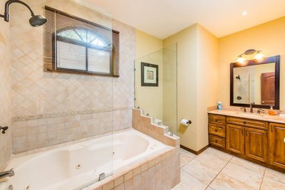 9 - Modern Master Bathroom With Tub - Ocean-vicinity Luxury Condo For Sale.jpg