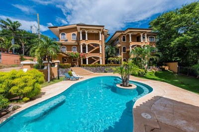 Calm and beautiful community pool - Ocean-vicinity Luxury Condo For Sale.jpg