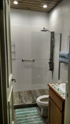 Guest Bathroom - Amazing Ocean View Luxury Condo