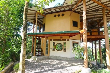 Beautiful custom home in a Sustainable community, Uvita