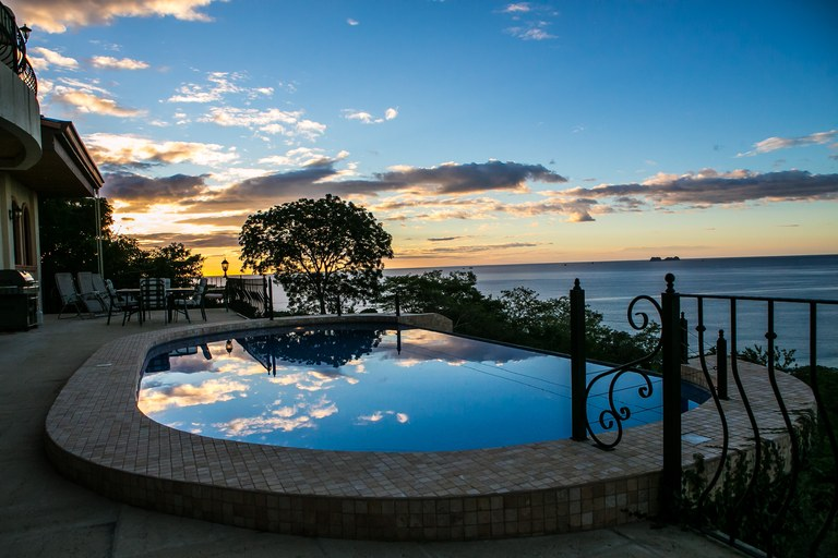 Casa Cielo y Mar: Mansion Overlooking Playa Flamingo - Minutes From Beach!