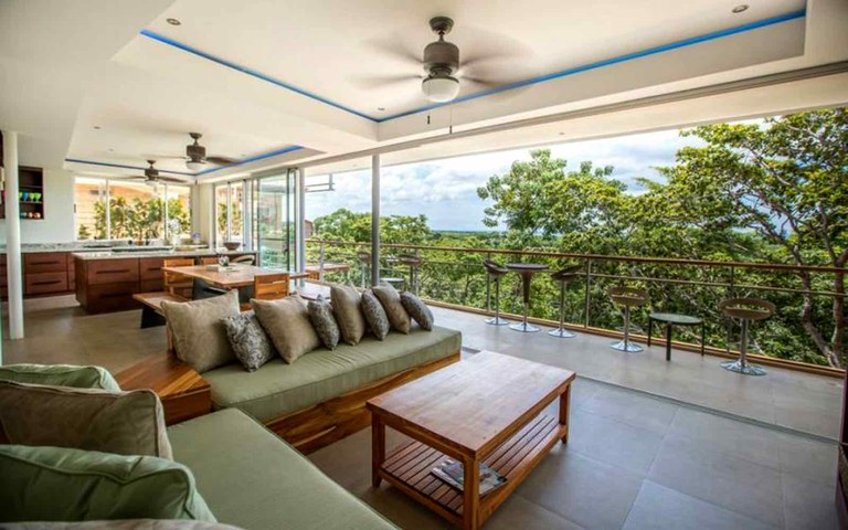 Waterfall House Tamarindo: Near the Coast House For Sale in Playa Tamarindo