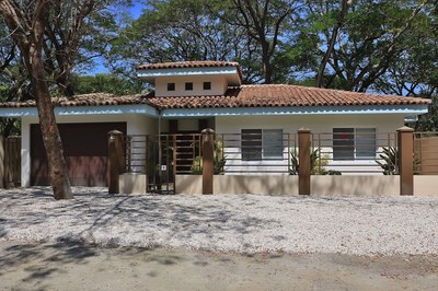 Summer coast realty, flamingo beach properties, lindsey cantillo, guanacaste properties for sale, gold coast guanacaste, properties in costa rica, tamarindo beach-1.jpg