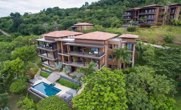 Azul Paraíso 3B: Stunning Ocean Views with First Class Amenities
