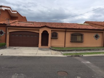 House For Sale in Santa Ana
