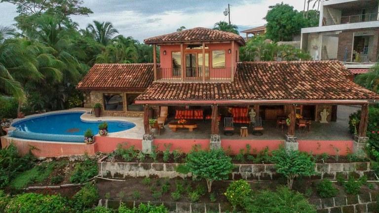 Casa Piedra: Beachfront Perfection On Playa Flamingo!