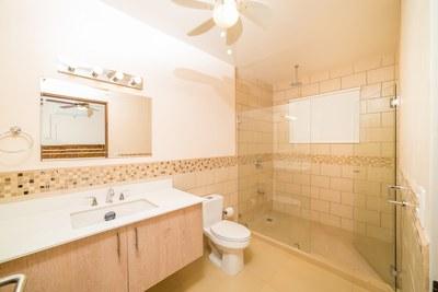 Casa Blanca 3-Master Bathroom