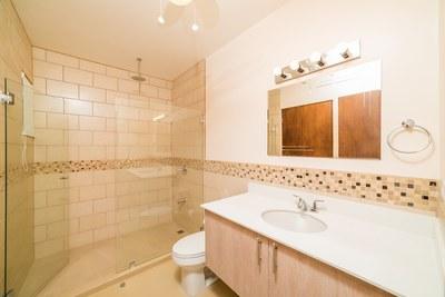 Casa Blanca 3-Second  Bathroom