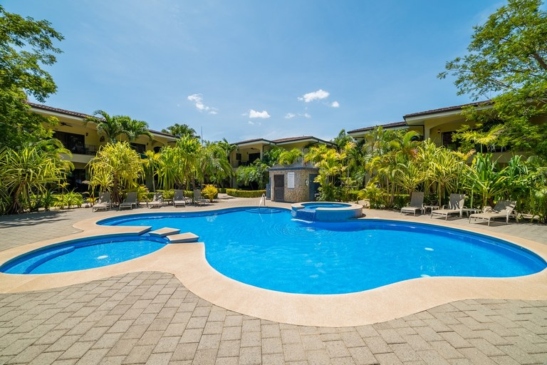 Casa del Sol 5: 2 Bed 2 Bath Walk-to-Beach Beautiful Condo for Sale in Potrero