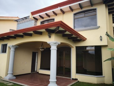 House For Sale in Sabanilla
