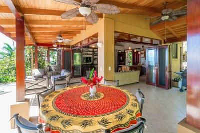 Casa Flores, Escaleras, Dominical (17)-700.jpg