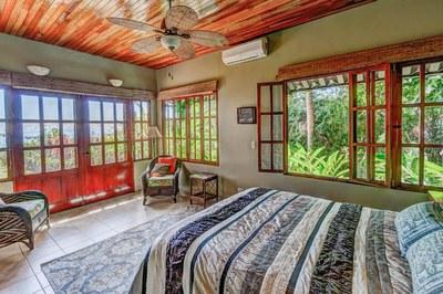 Casa Flores, Escaleras, Dominical (28)-700.jpg