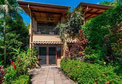 Casa Flores, Escaleras, Dominical (32)-700.jpg