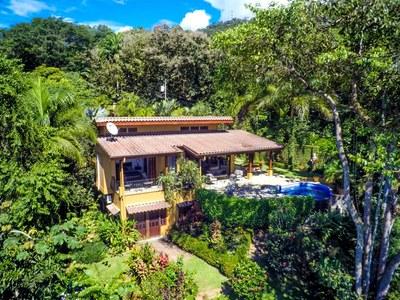 Casa Flores, Escaleras, Dominical (36)-700.jpg