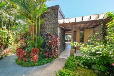 Casa Flores, Escaleras, Dominical (3)-700.jpg