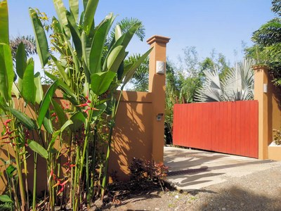 gated entrance-700.jpg