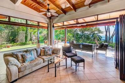 Casa Flores, Escaleras, Dominical (6)-700.jpg