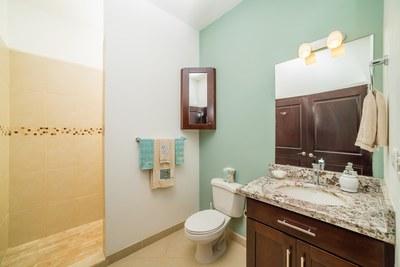 Villa Moros y Cristianos - Second Bathroom