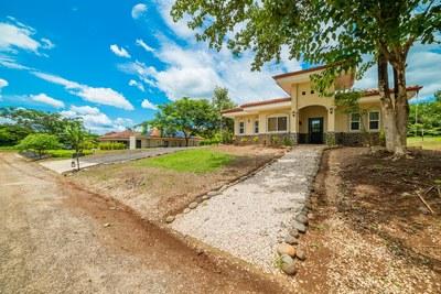 Villa Moros y Cristianos - Exterior Front