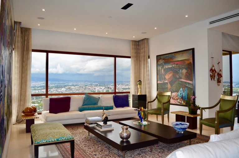 LUXURY CONDOMINIUM IN ESCAZU, WITH VIEWS TO THE CENTRAL VALLEY