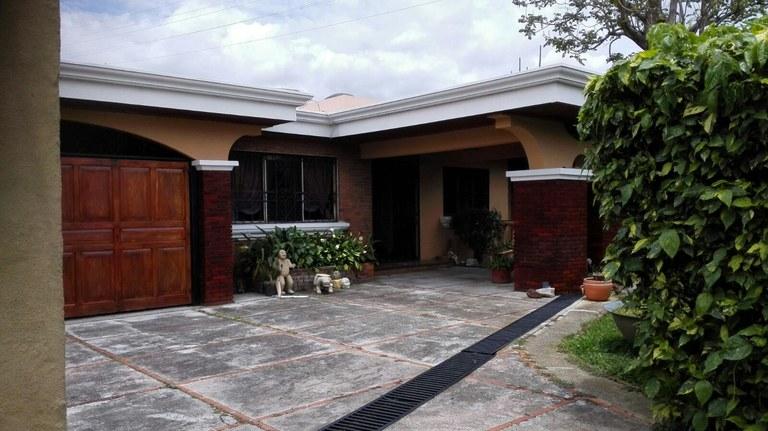 Mountain House For Sale in San Rafael