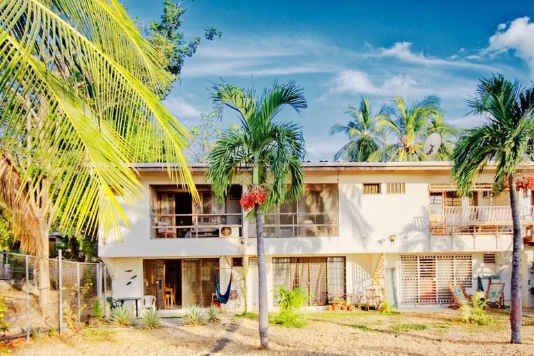 Casa Luna Miel: Charming Ocean Front Condo!