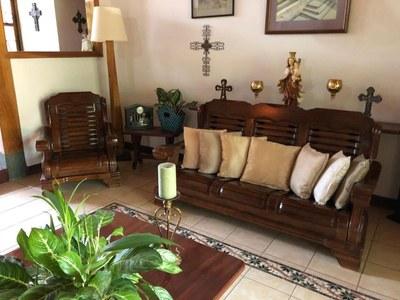 6- Living room (2).jpg