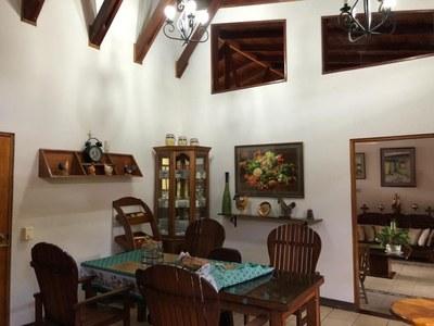 9- Dinning room.jpg