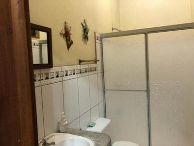 13- Bath.jpg