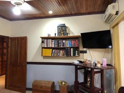 14- TV room.jpg