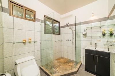 Casa Princesas_ Master  Bathroom
