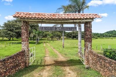 Finca San Blas: Stunning Valley View Farm