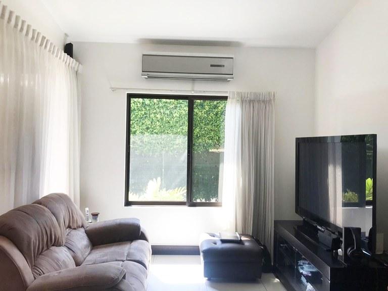 Cornder house for sale in condominium Parques del Sol Santa Ana