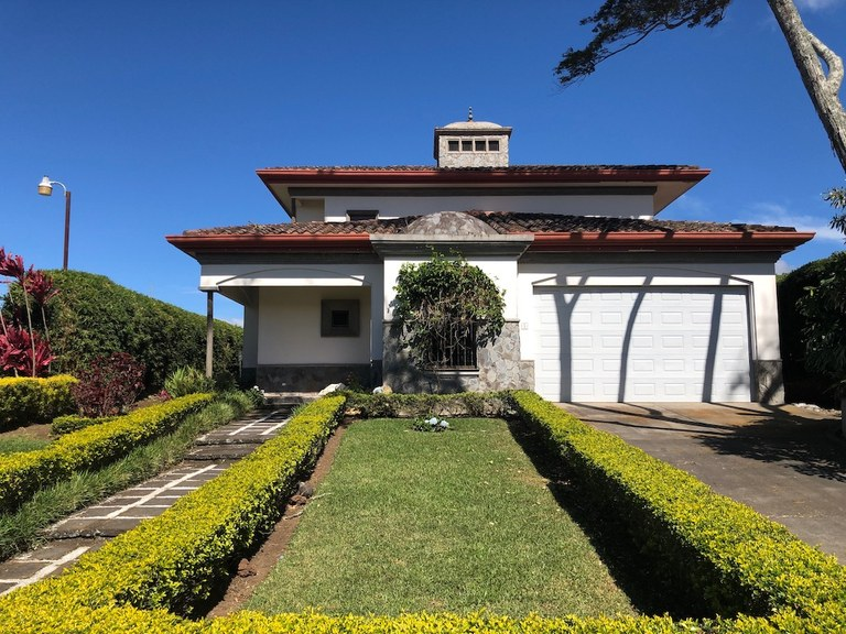 House For Sale in San José
