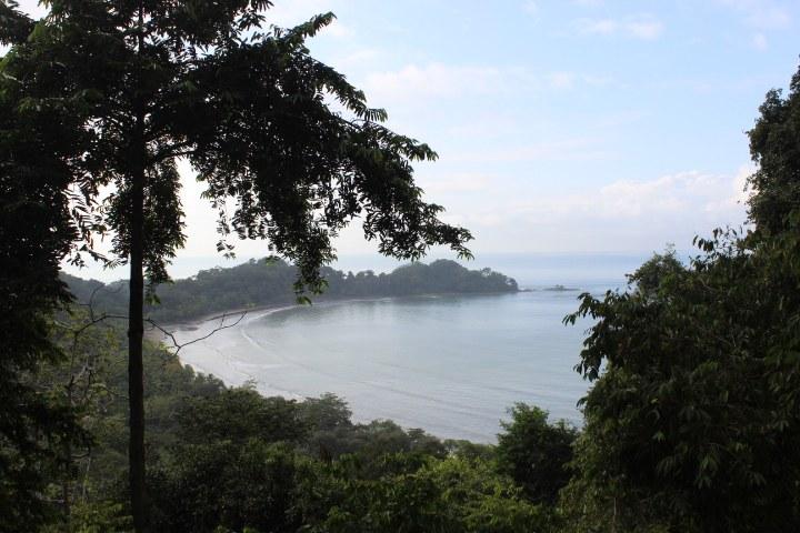 Coastal Views, Convenience and Simplicity: Mountain Villa For Sale in Dominicalito