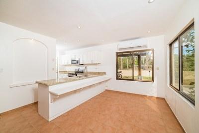 Casa Norte - Kitchen/Dining Area