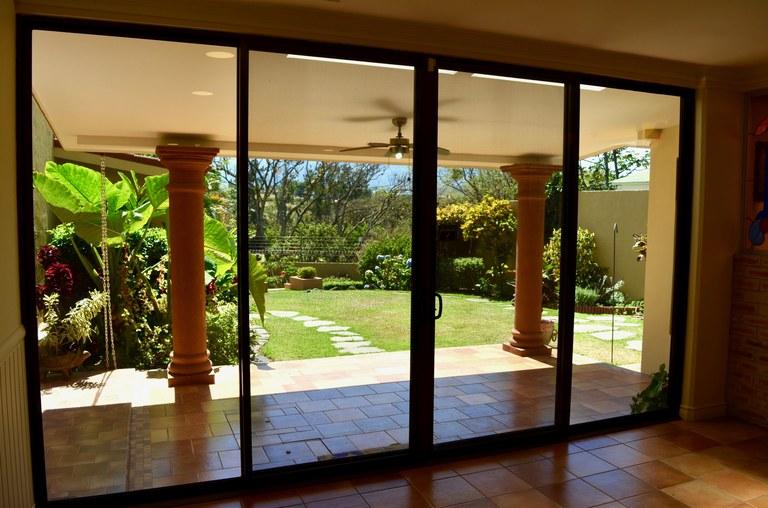 CARIARI COUNTRY CLUB: House For Sale in La Asunción
