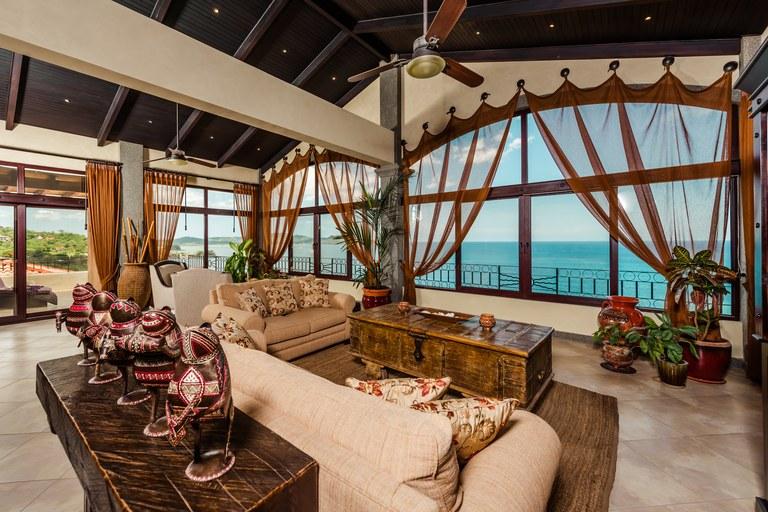 Oceanica 821: Exquisite Ocean View Penthouse in Flamingo!