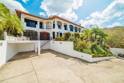 El Sueño de Ocotal: Oceanview Income Producing Villa
