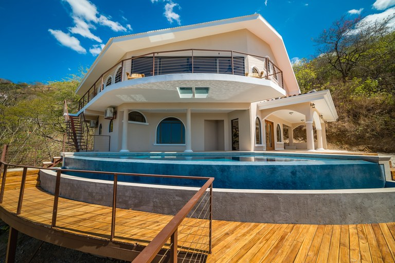 Casa Vista Prieta: Near the Coast House For Sale in Playa Potrero