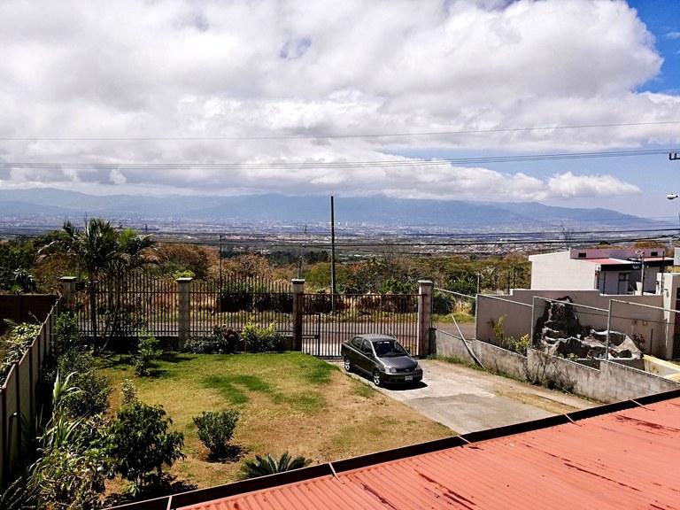 MONTAÑAS DE SAN RAFAEL: House For Sale in Concepcion