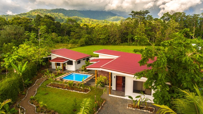 Tropical Chic, Brand New Home and Guesthouse in Uvita: House For Sale in Uvita