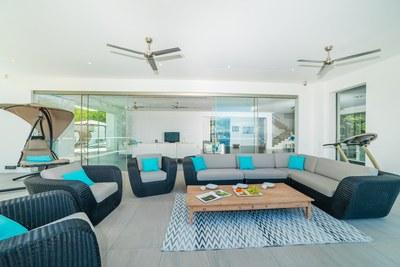 Casa Islana_ Balcony Lounge