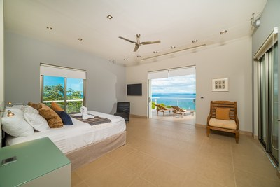 Casa Islana_ Master Bedroom