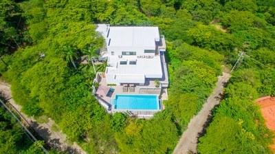 Casa Islana_ Aerial Shot