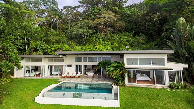 Modern Luxury Home with Incredible Ocean View - 0.7 Acres