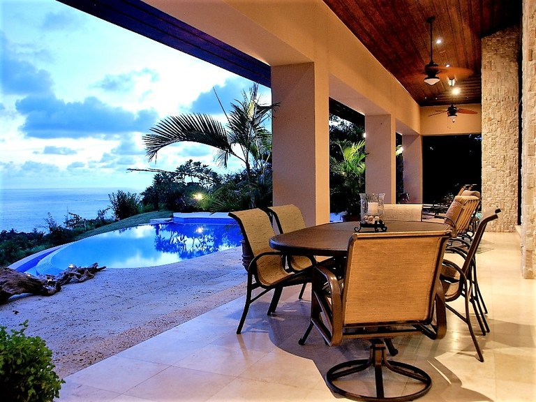 Villa Vista: 4210 Absolute Perfection with Stunning Ocean Views