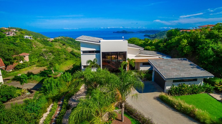 Casa Mar Vista: Modern Luxury Home with Amazing Ocean Views