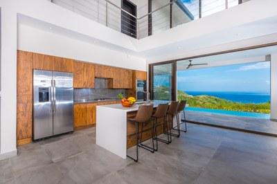 Casa Mar Vista_Kitchen